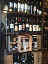 The wine shop in Cernobbio has excellent Italian wines