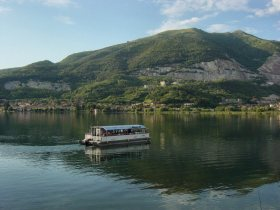 Lago Pusiano Boat