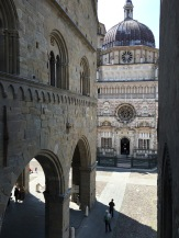 The beautiful Cappella Colleoni from the top of the stairs