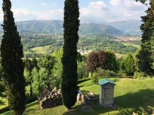 Another view from the stairs over the Val Curone